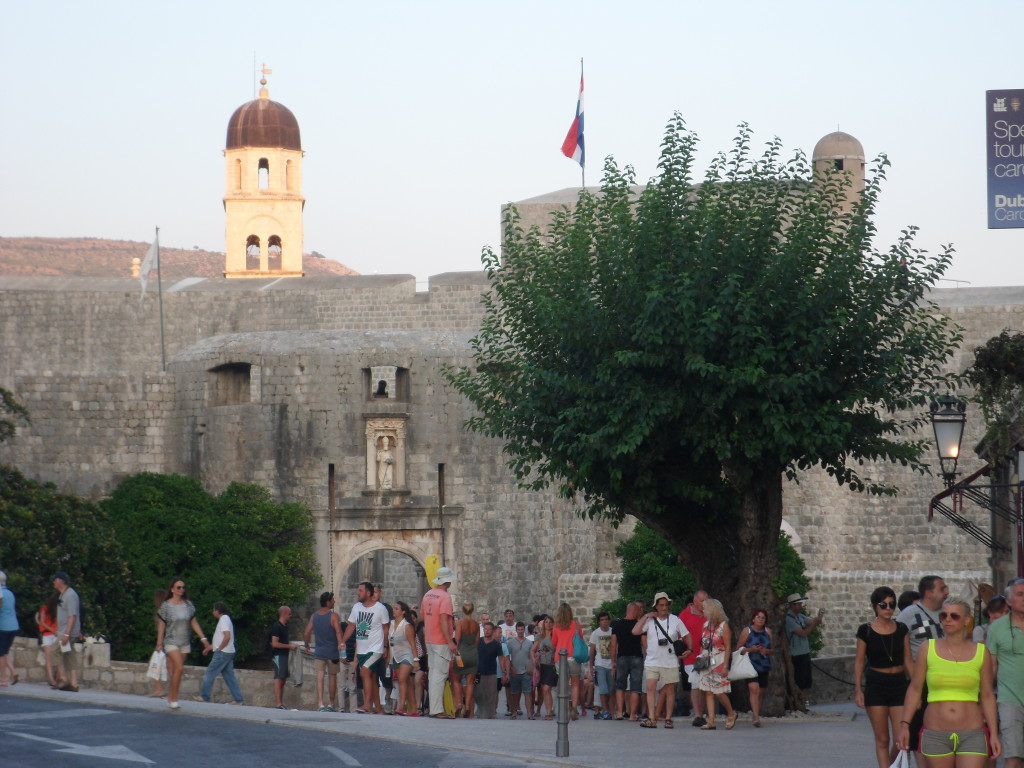 Arriving at the spectacular walled old town of Dubronik