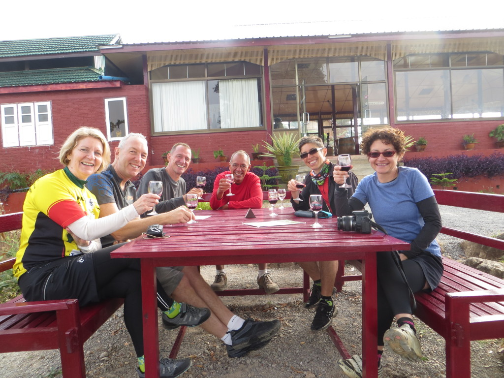 Here are six of us at our breakfast wine tasting. From left it's Alison & Robin (London), Mark & me, Barbara (Melbourne), and Marlene (Seoul). Lisa, also kind of from Melbourne, was taking the picture.
