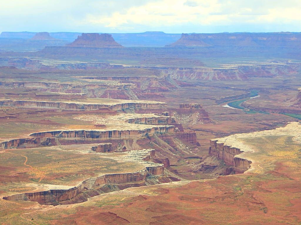 Canyonlands National Park let us look down into vast, deep canyons