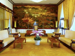 The diplomatic room, where President Thieu would receive new ambassadors