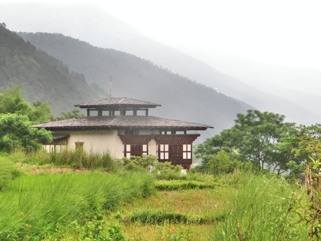 Just another beautiful house set amongst the rice fields and mountains