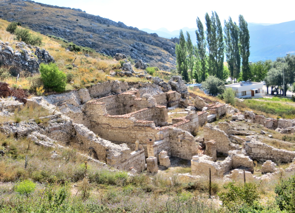 "These are the ruins of an ""urban mansion"", a residence for the super-rich. So far they've excavated 80 rooms believed to have existed over eight floors. Nearby was also a ""luxury market"" suggesting that gaps between the wealthy and everyone else has been around for a while."