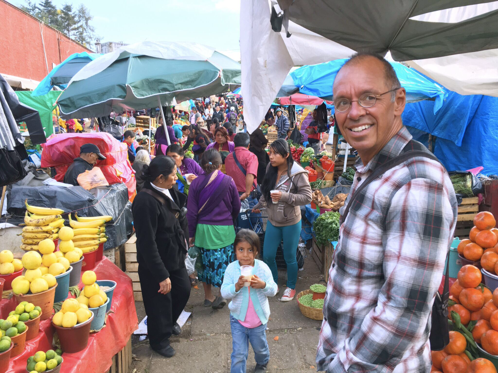 Entering a great market in San Cristóbal