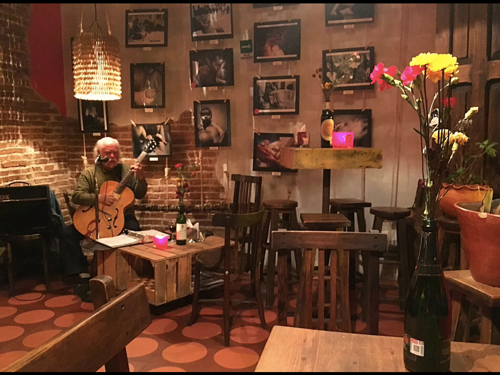 Dinner one night in this tapas bar with live music