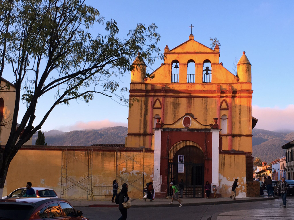 Another church, this one in evening shadows. Part of what I like about this is the background; it reminds me that San Cristóbal is in a valley, surrounded by big hills. Something I observed the day I rented a bike and tried to ride out of town. Yikes!