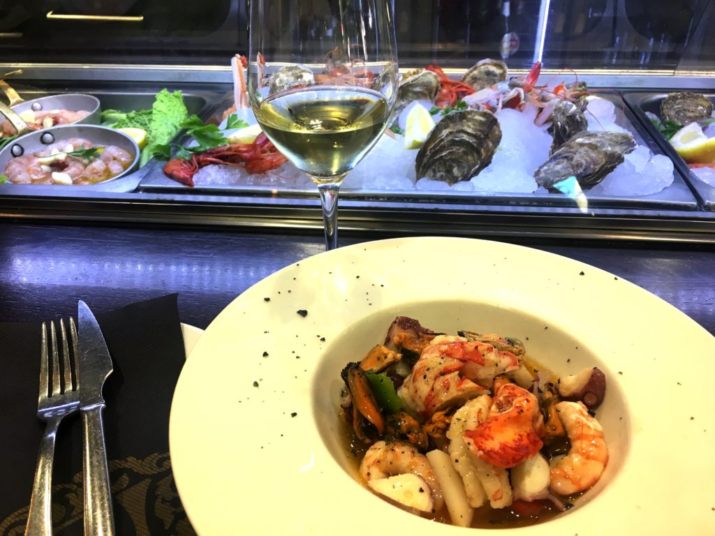 The food of València was darned good. This was a lunch Mark had at a tapas bar while I was at the beach on the Mediterranean. Unfortunately for me every single restaurant along the beach that day was fully booked. Every one. So my lunch consisted of a bottle of water. I was, however, on a Mediterranean beach so I really wasn't complaining that much.