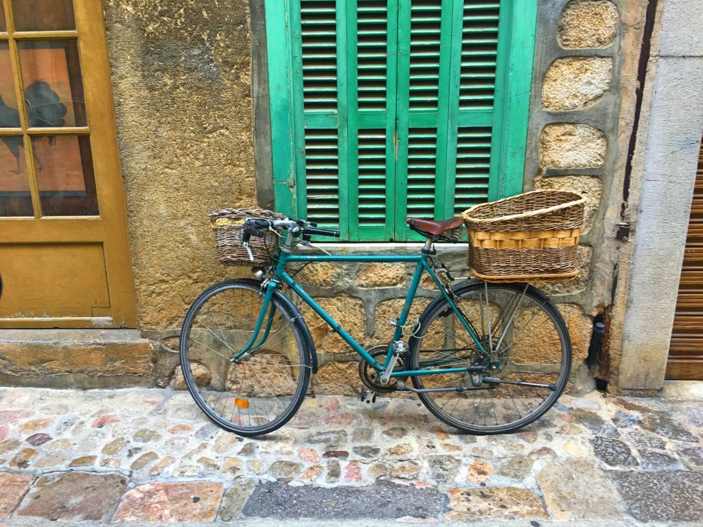 Mark loves these quaint bicycle pictures